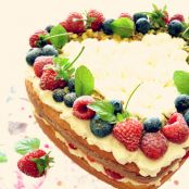 Bolo Esponja com Frutos Vermelhos - Sponge Cake with Berries